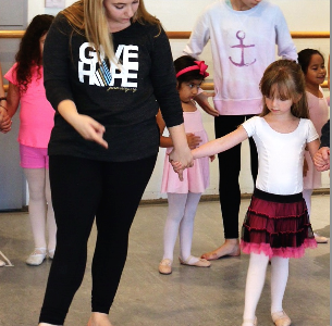 Junior Hanah Gershkowitz combines her love for dancing and working with children by volunteering for Ballet for All Kids