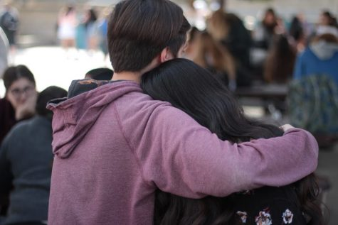 High school couples should break up prior to attending college