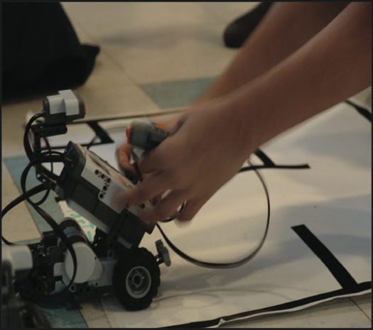 Las Virgenes Unified School District Board of Education approves Robotics class