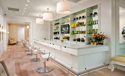 Get ready for Homecoming at The Drybar salon