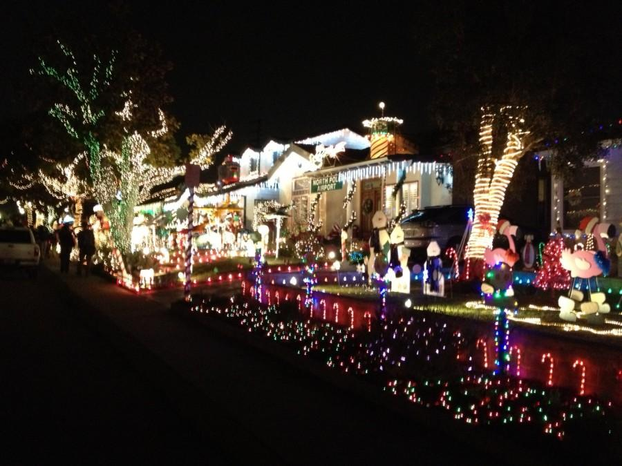Candy Cane Lane Decorations Winter in LA Candy Cane Lane Calabasas Courier Online 2