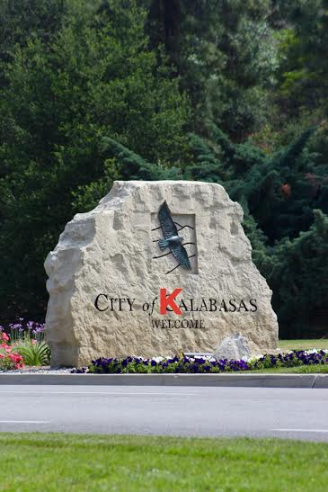 Mayor Bozajian changes city name in honor of Kardashians